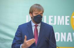 Ministr zdravotnictví Adam Vojtěch na tiskové konferenci
