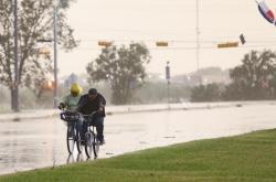 Bouře Nicholas nabyla síly hurikánu a míří k pobřeží Texasu