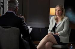 Frances Haugenová během rozhovoru se Scottem Pelley