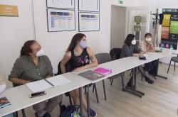 Cizinci na kurzu češtiny