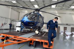 Palubní technik u vrtulníku Eurocopter EC 135 T2+
