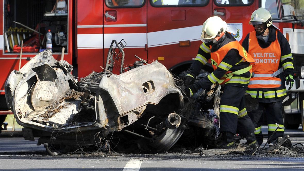 Červencová nehoda na hlavním tahu z Karlových Varů do Prahy