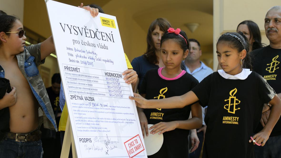 Vysvědčení Sobotkově vládě v přístupu k Romům ve školách