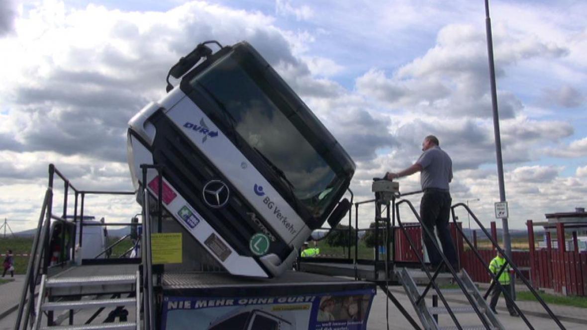Simulátor nehody kamionu