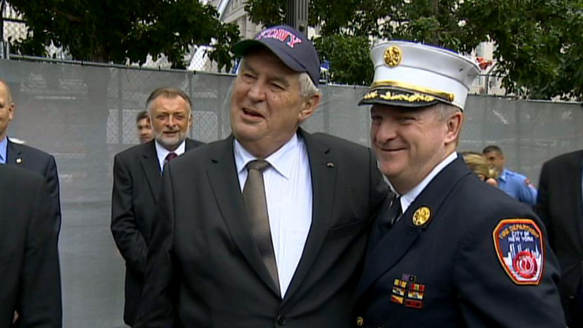 Miloš Zeman na setkání s newyorskými hasiči