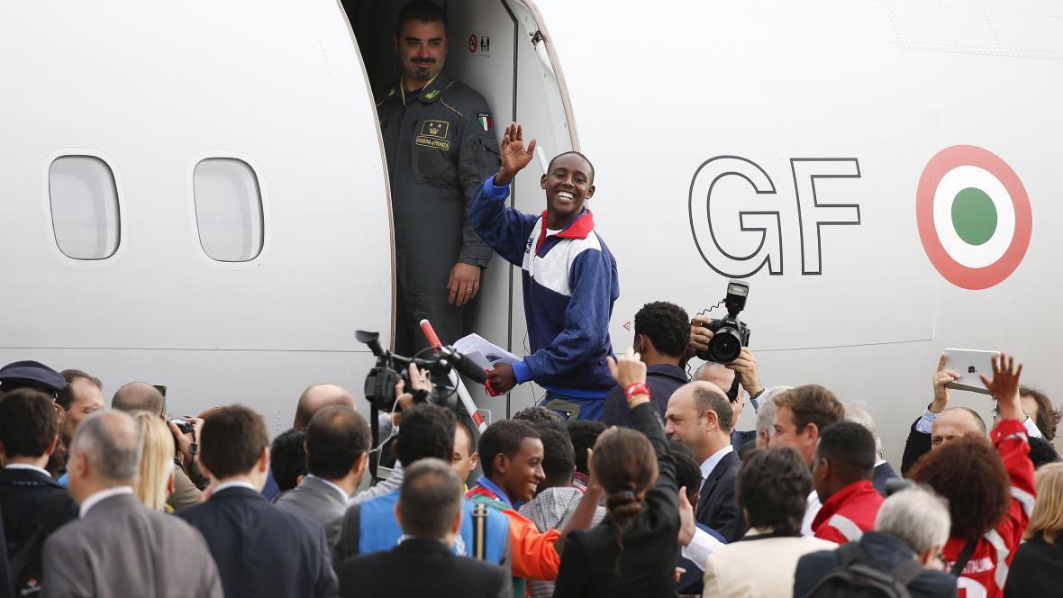 První Eritrejci odlétají z Itálie do Švédska
