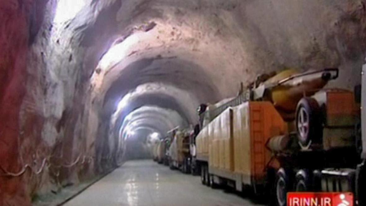 Balistické rakety v íránských podzemních chodbách