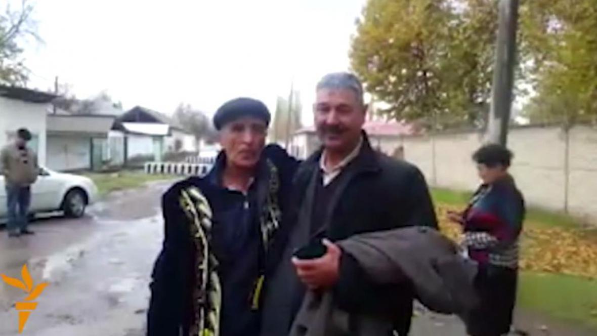 Uzbecký politický vězeň Murod Jurajev po propuštění