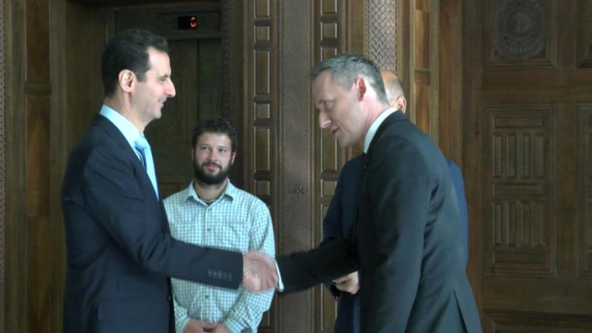 Syrský prezdient Bašár Asad a zpravodaj ČT Michal Kubal