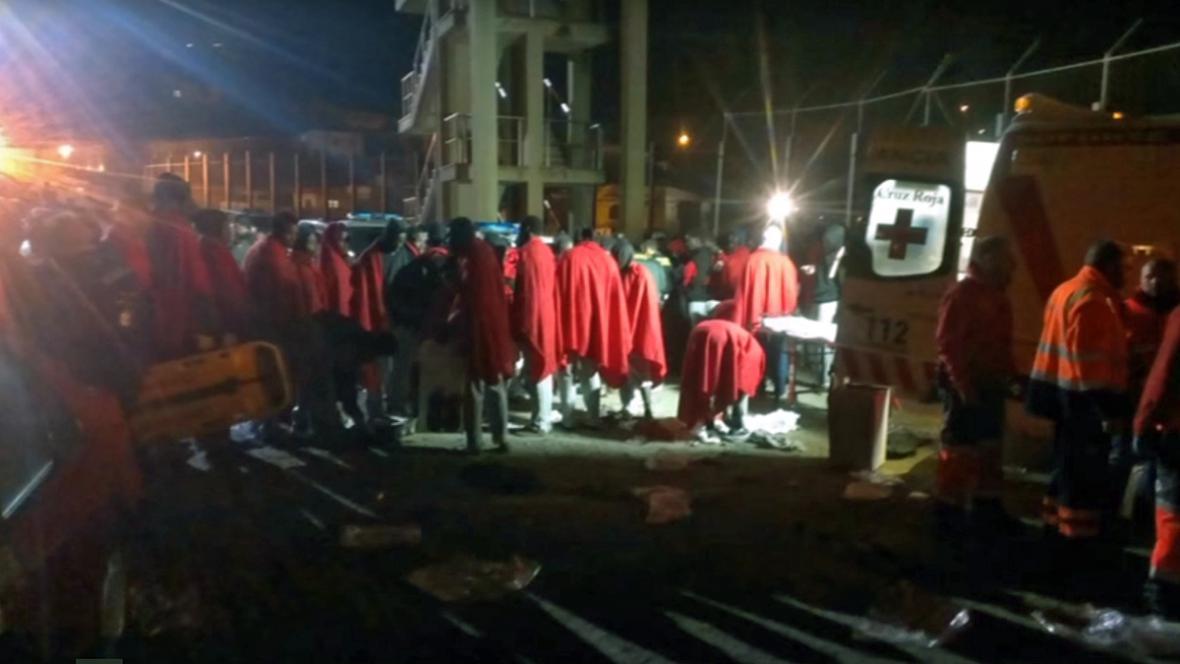 Na Ceutu proniklo 185 běženců