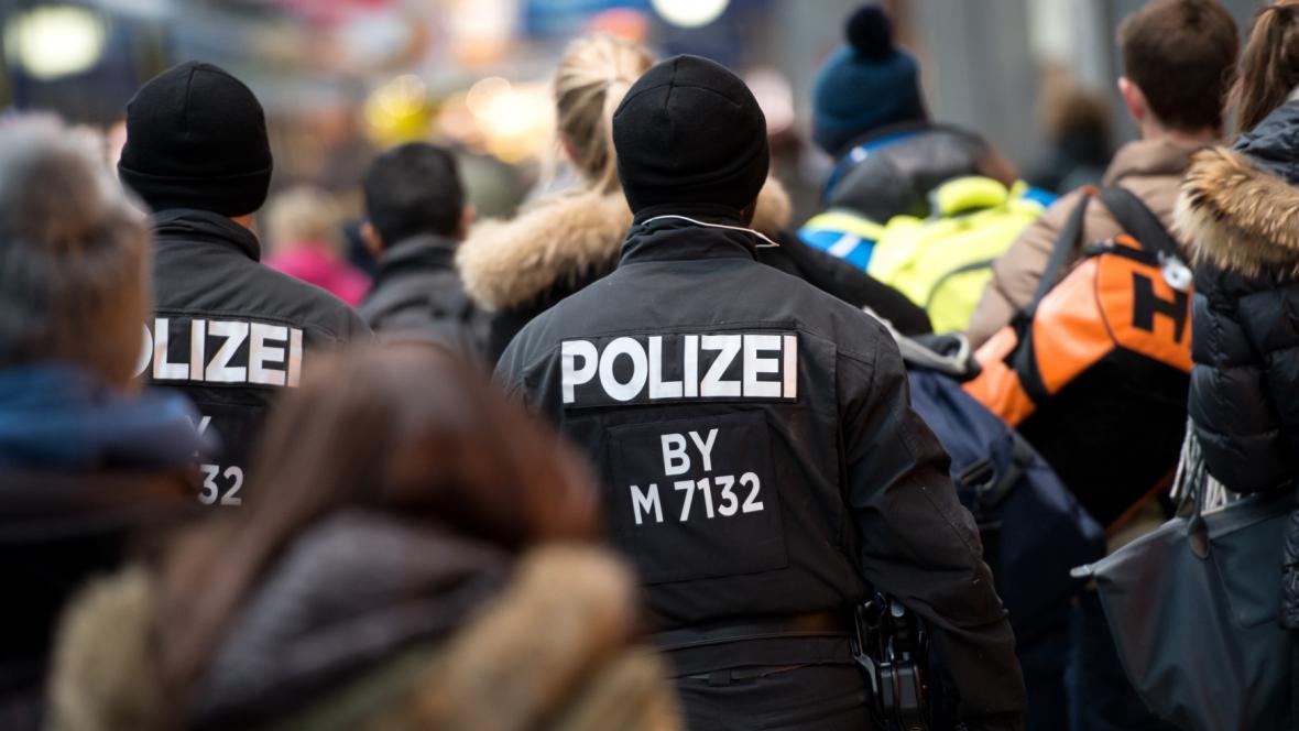 Policie zůstává po hrozbě atentátu v mnichovských ulicích