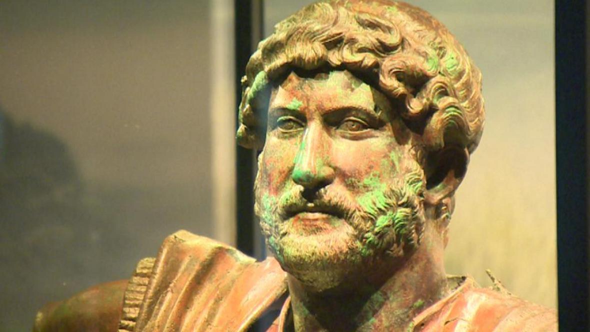 Jedna z bust císaře Hadriána