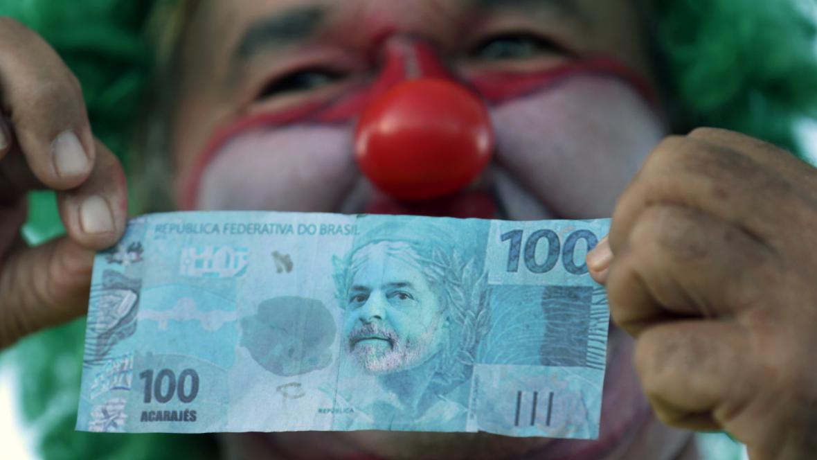 Brazilské protesty vyvolané korupčním skandálem kolem ropného Petrobrasu