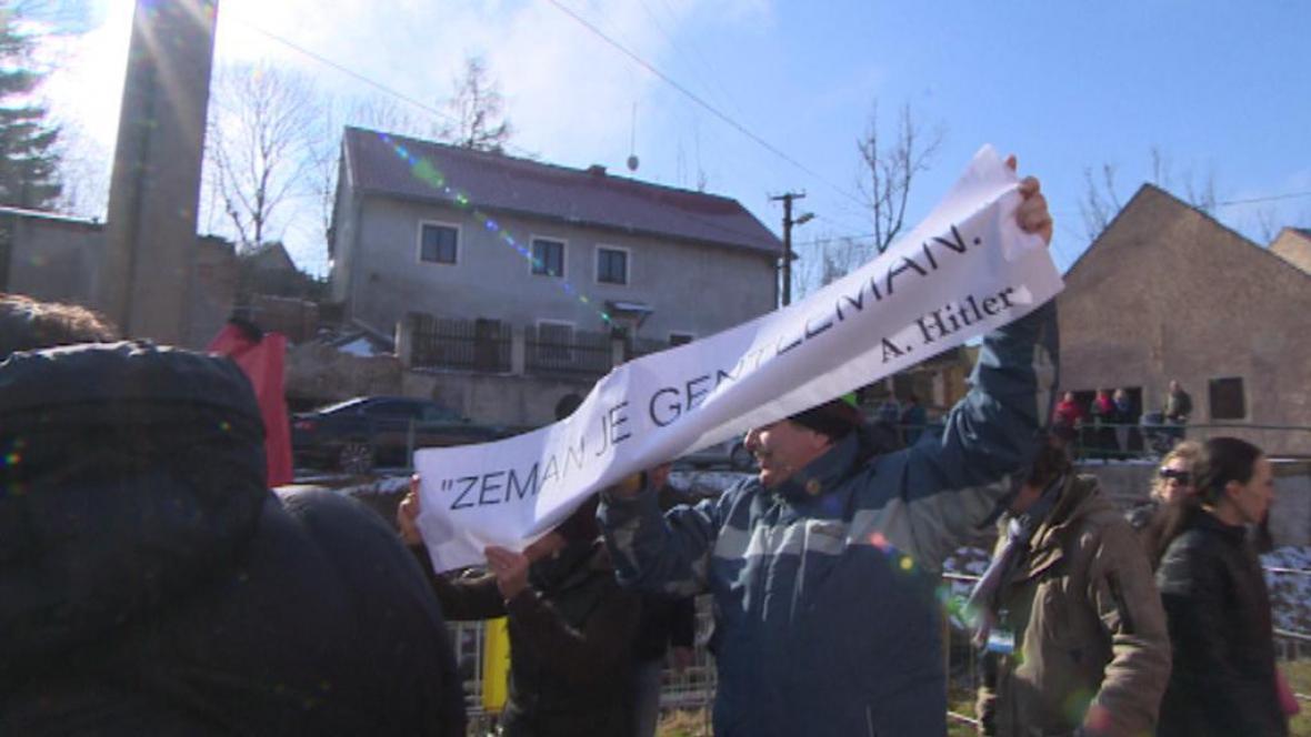 Protest proti Zemanovi