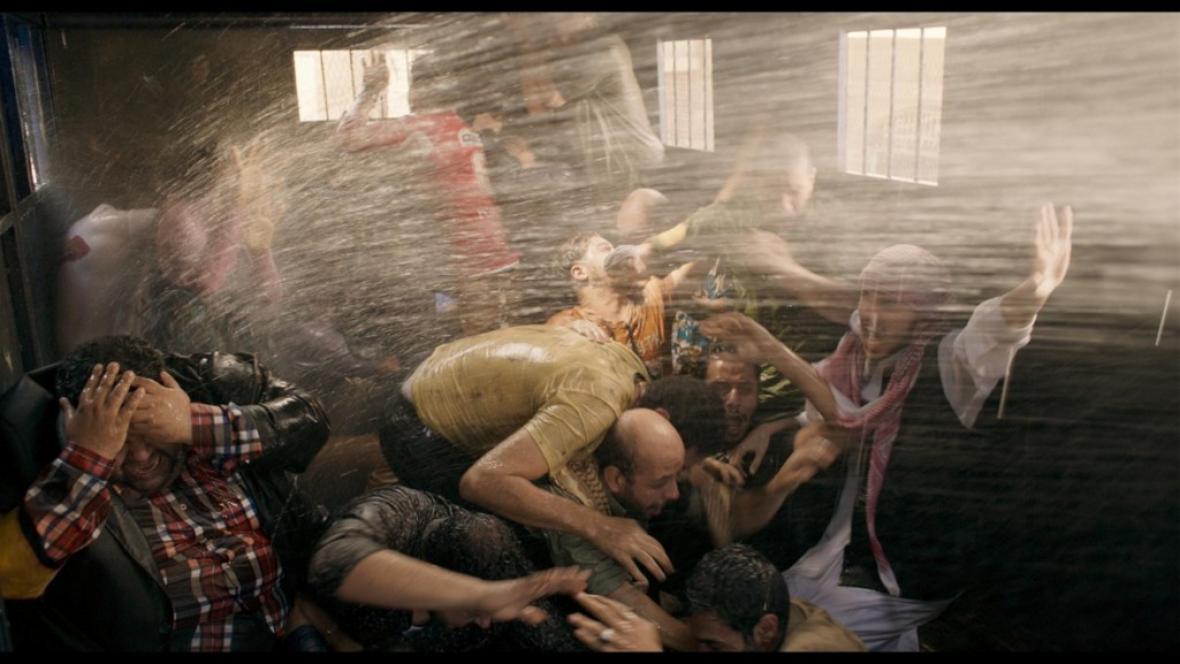 Egyptský film Nepokoj (Eshtebak)