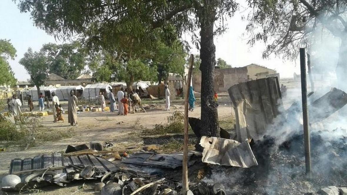 Nigerijský uprchlický tábor po zásahu armády