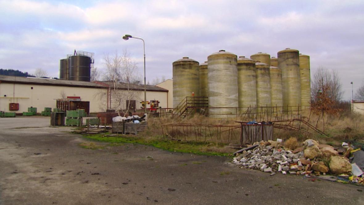 Skládky toxického odpadu ve Lhenicích