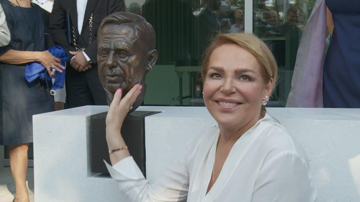 Dagmar Havlová na slavnostním otevření nové budovy EP