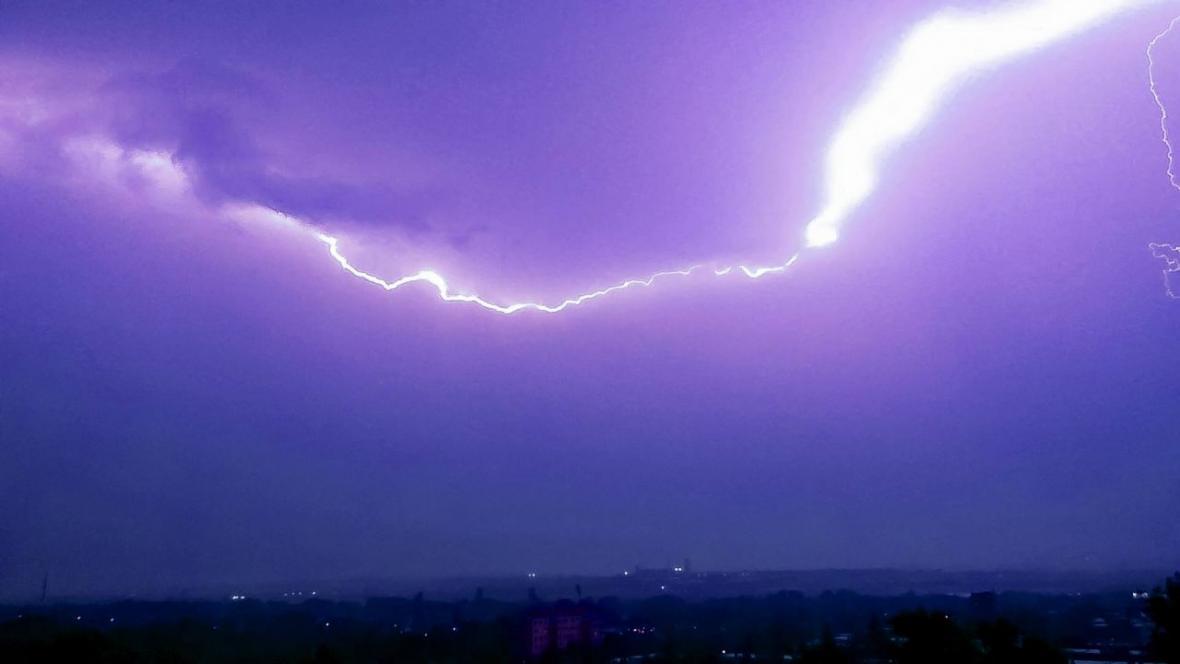 Noční bouřka v Karviné
