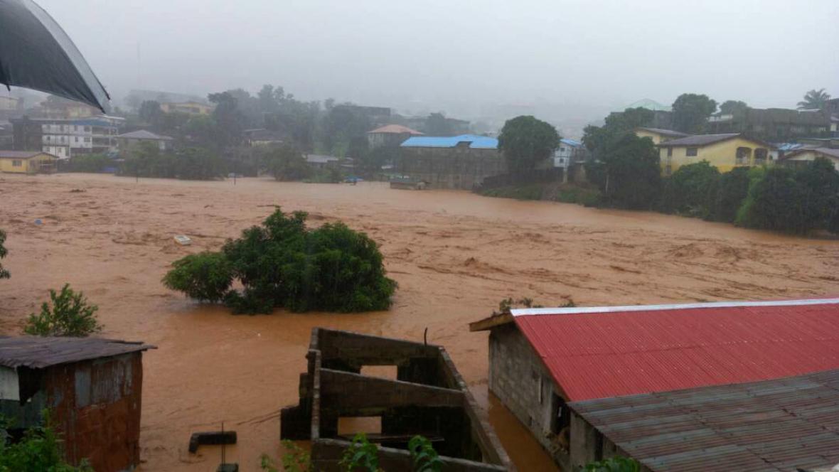 Záplavy a sesuvy půdy v Sierra Leone