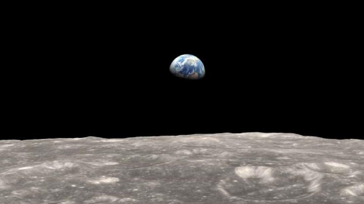 Měsíc a Země