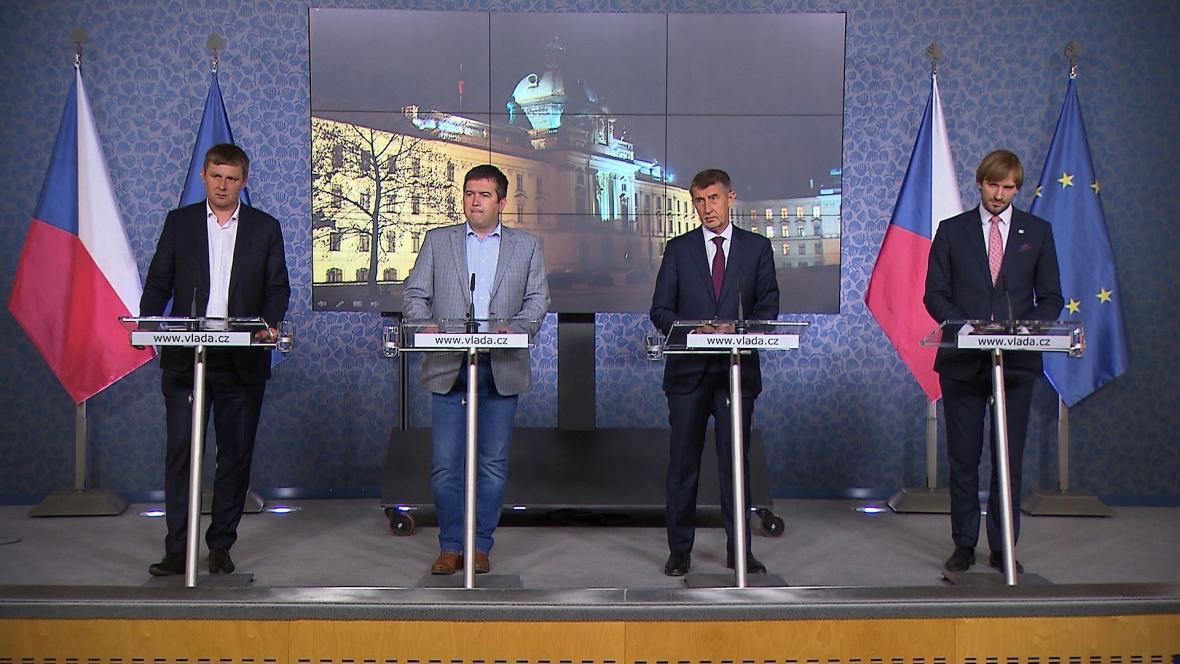 Tisková konference po jednání Bezpečnostní rady státu