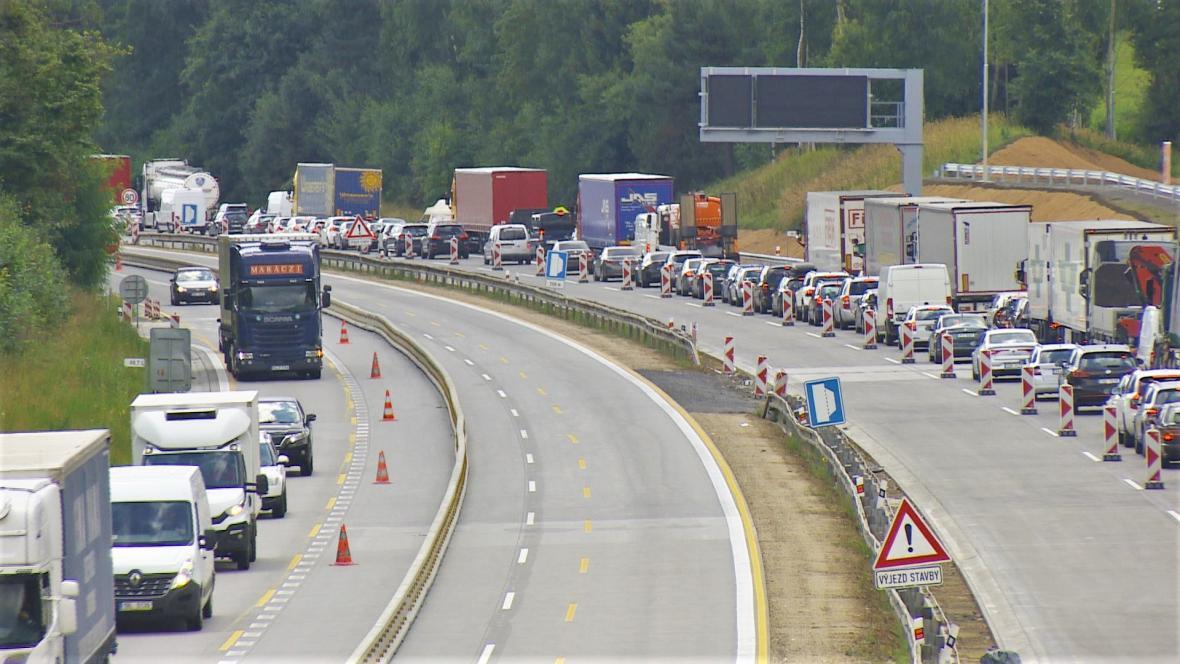 Kolona na D1 ve směru na Prahu