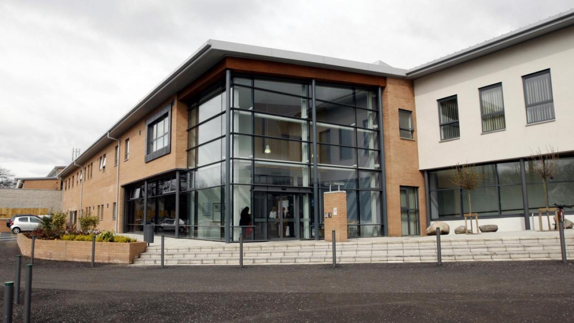 Nemocnice Gartnavel v Glasgow - místo karantény nakažené zdravotnice
