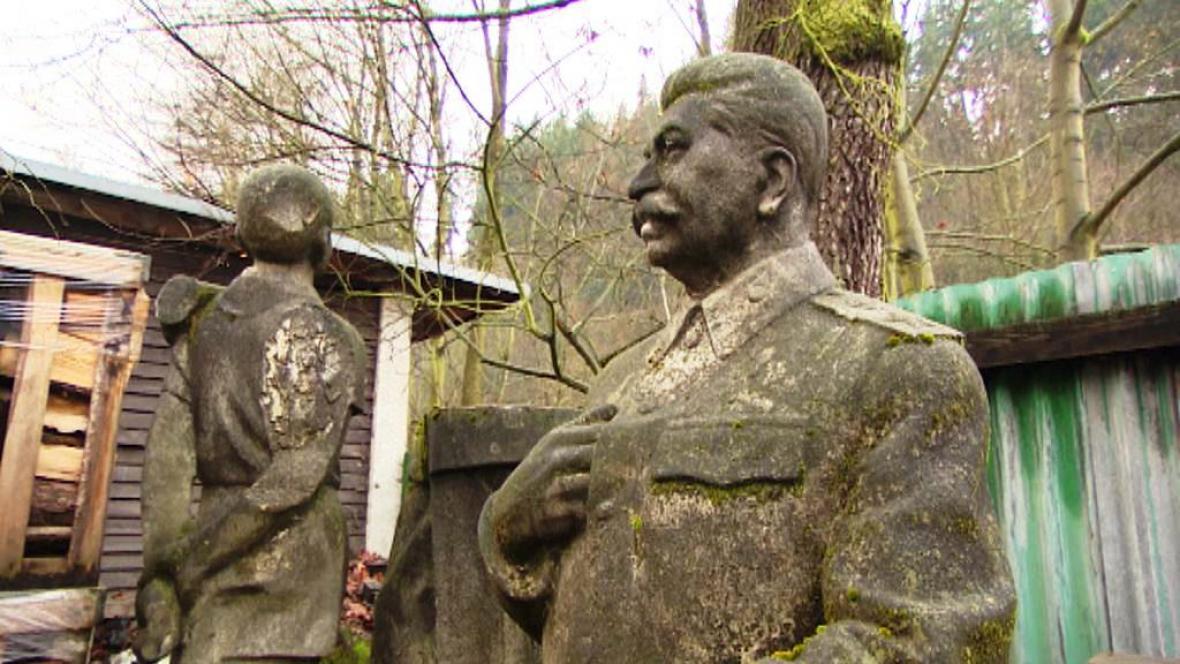 Odložená socha Stalina