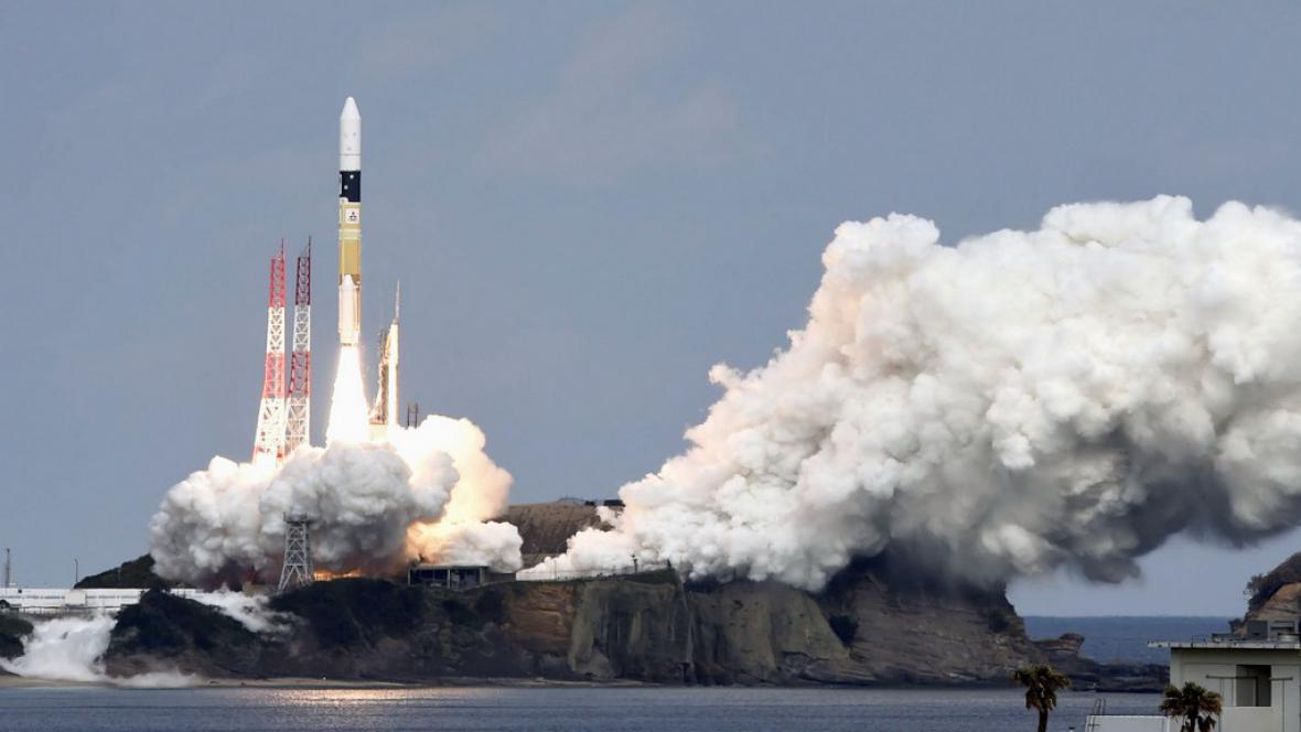 Japonci vyslali sondu k asteroidu