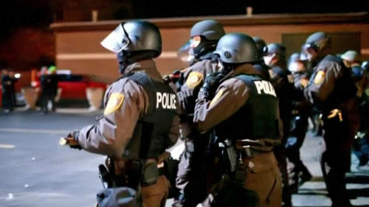 Zásah policie ve Fergusonu
