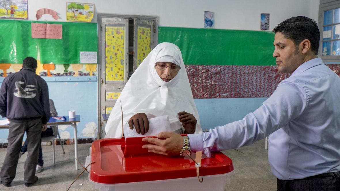 Tunisané vybírají prezidenta