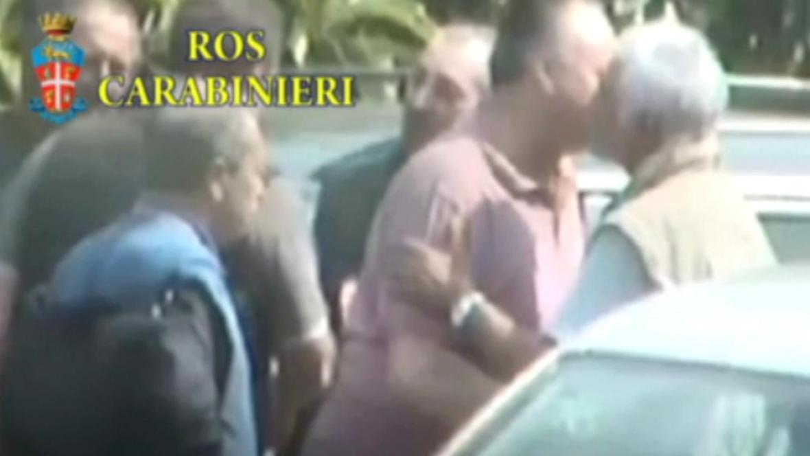 Italská policie získala záběry iniciačního obřadu mafie