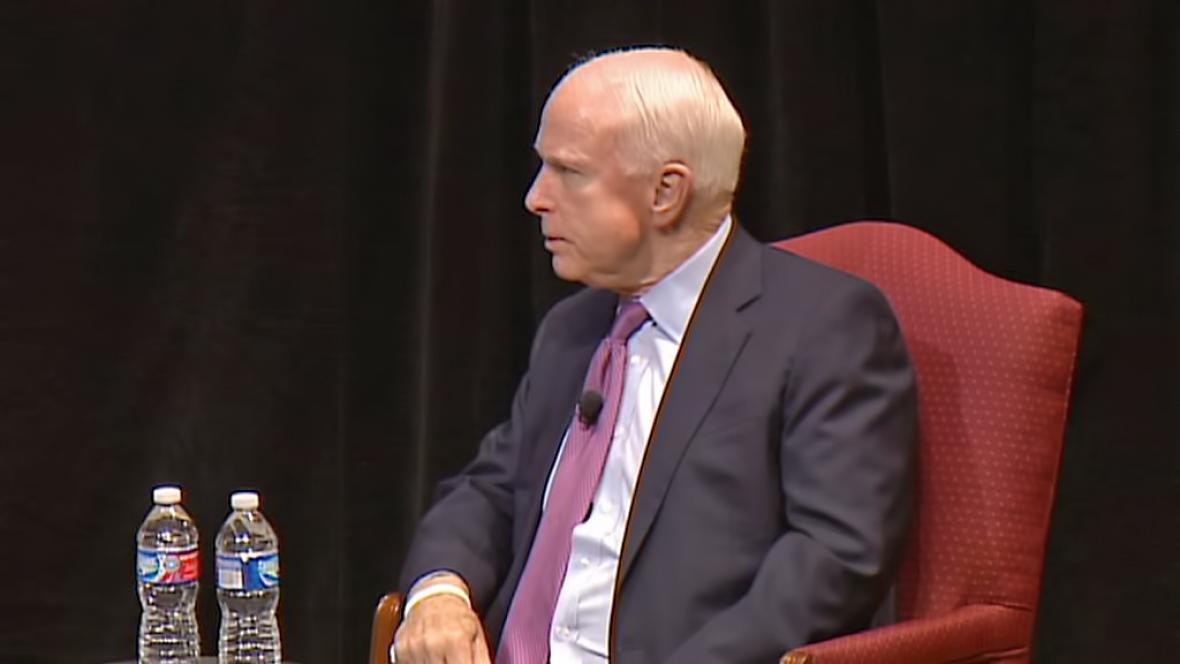 John McCain při debatě o odkazu Václava Havla