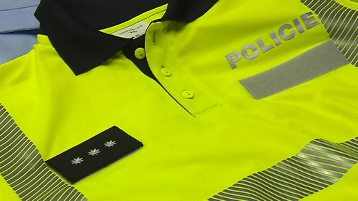 Policie začne zkoušet pohodlnější uniformy