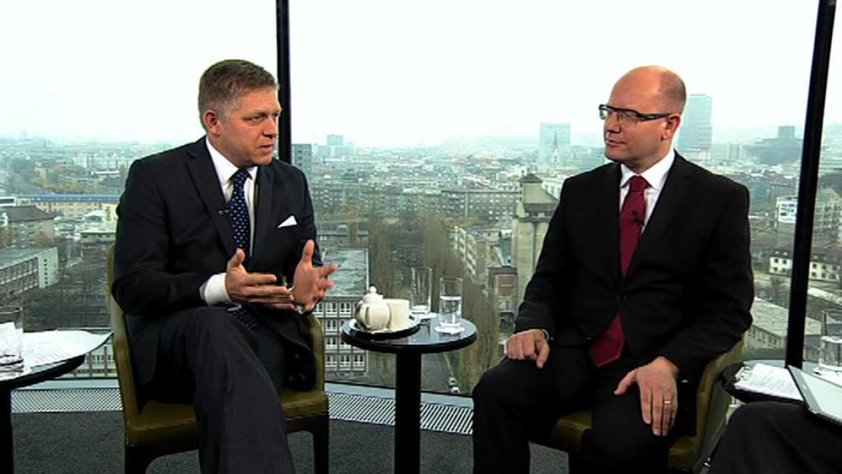 Robert Fico a Bohuslav Sobotka v mimořádném vysílání OVM