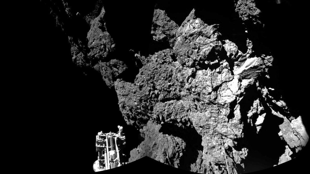 První záběry modulu Philae z komety 67P/Churyumov-Gerasimenko