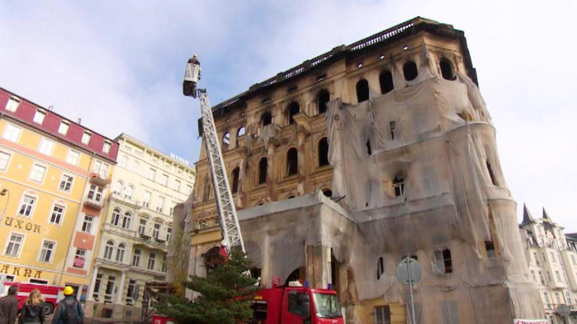 Vyhořelý hotel v Mariánských Lázních