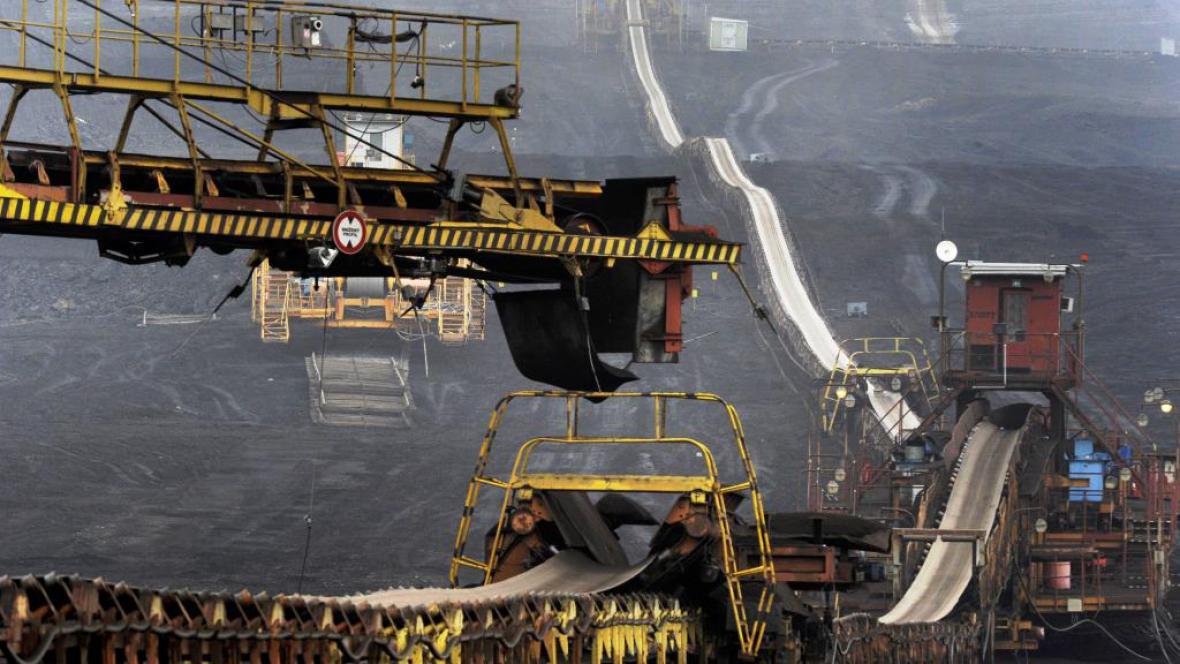 Těžba v povrchovém dole ČSA na Mostecku