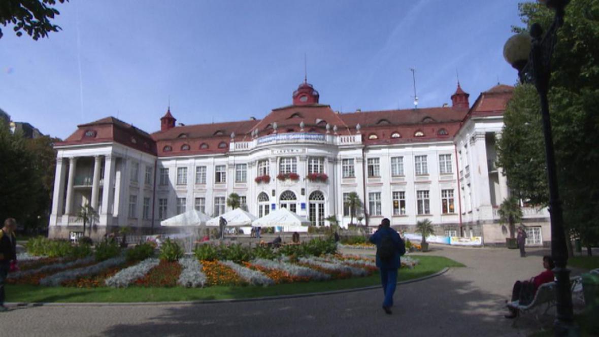 Budova Alžbětiných lázní v Karlových Varech
