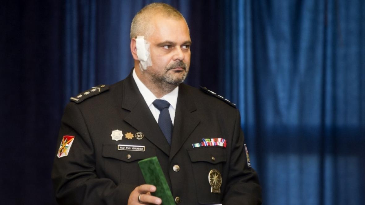 Policejní vyjednavač dostal medaili za statečnost