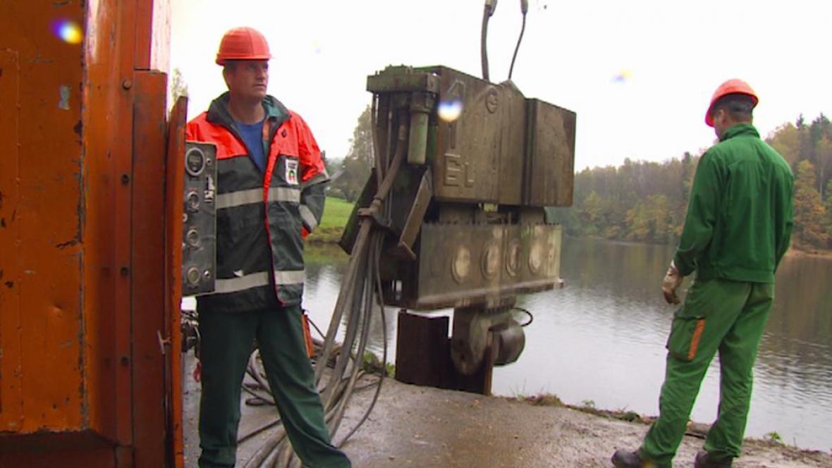 Oprava hráze rybníka Tajch