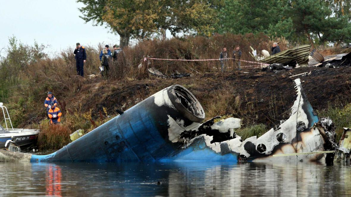 Trosky letadla havarovaného v Jaroslavli