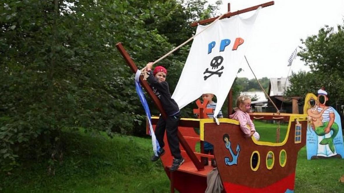 Malí piráti a jejich loď