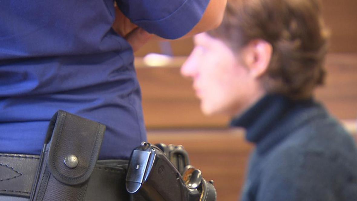 Soud začal řešit případ údajného týrání