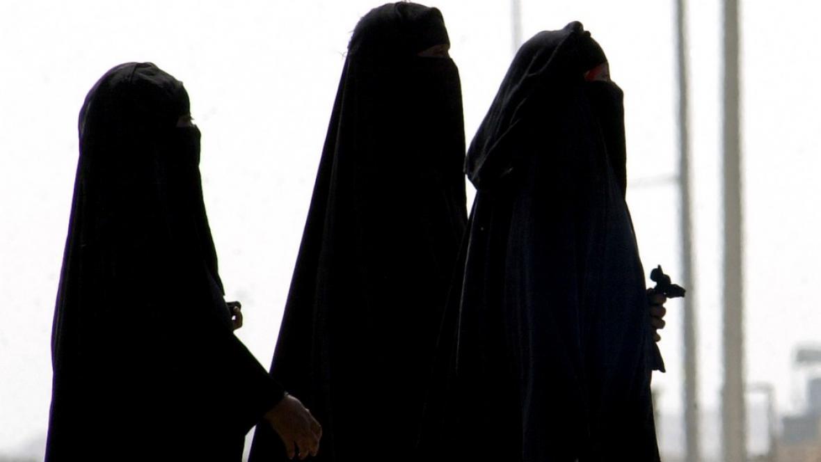 Muslimky v burkách