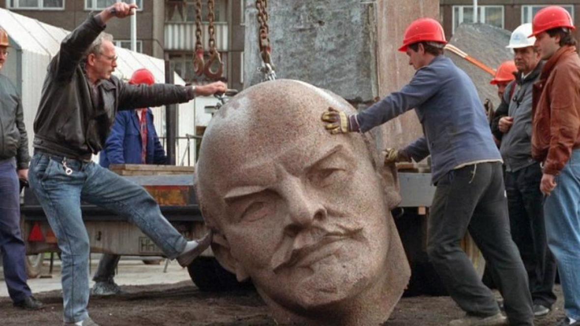 Hlava z Leninovy berlínské sochy