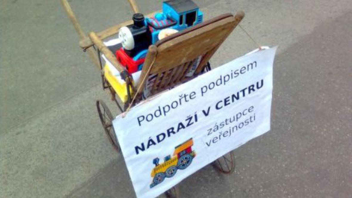 Petice proti odsunu nádraží