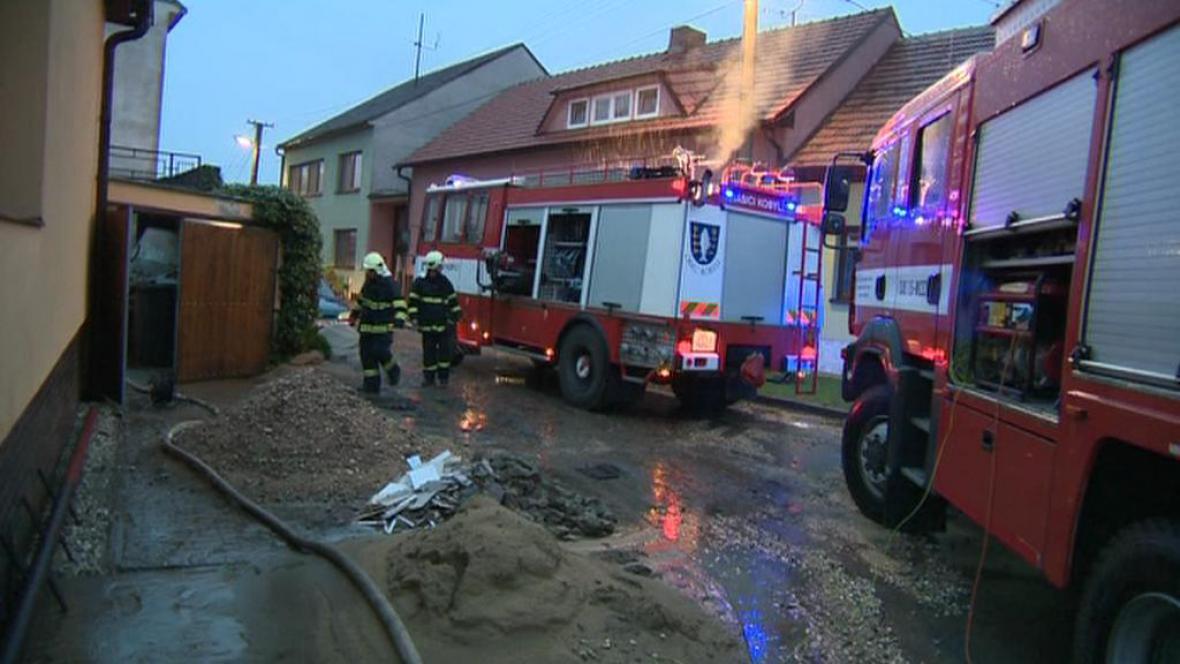 V Mutěnicích zasahovaly hasičské sbory