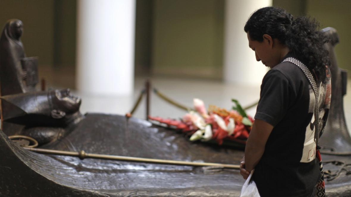 Hrob Oscara Romera v sansalvadorské katedrále